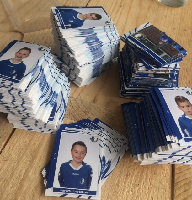 Woensdag 2 mei ruilmiddag Hoogvliet voetbalplaatjes S.V. Loosduinen