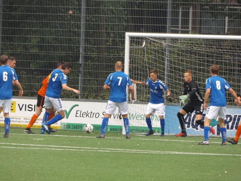 S.V. Loosduinen verspeelt titelkansen bij sv Houtwijk? (met foto's)