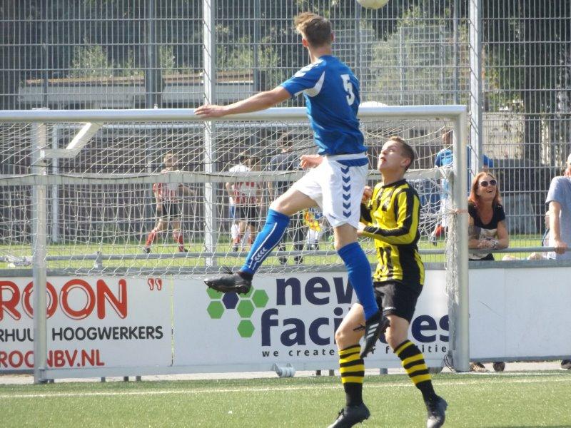S.V. Loosduinen begint bekertoernooi met 3-1 zege op VFC zat.