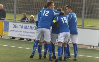 S.V. Loosduinen herstelt zich opnieuw na rust en wint de derby met 3-1 (met foto's)