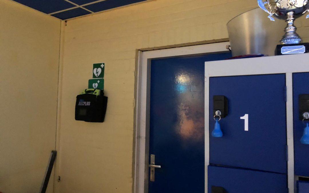 Nieuwe locatie AED in ons clubgebouw