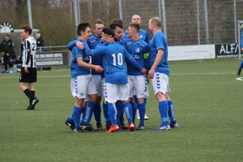 S.V. Loosduinen klopt nu wel MSV'71 in Maassluis (met foto's)