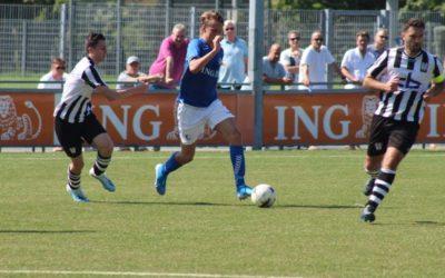S.V. Loosduinen en Oosterhout spelen een vermakelijke wedstrijd in de hitte (met foto's)
