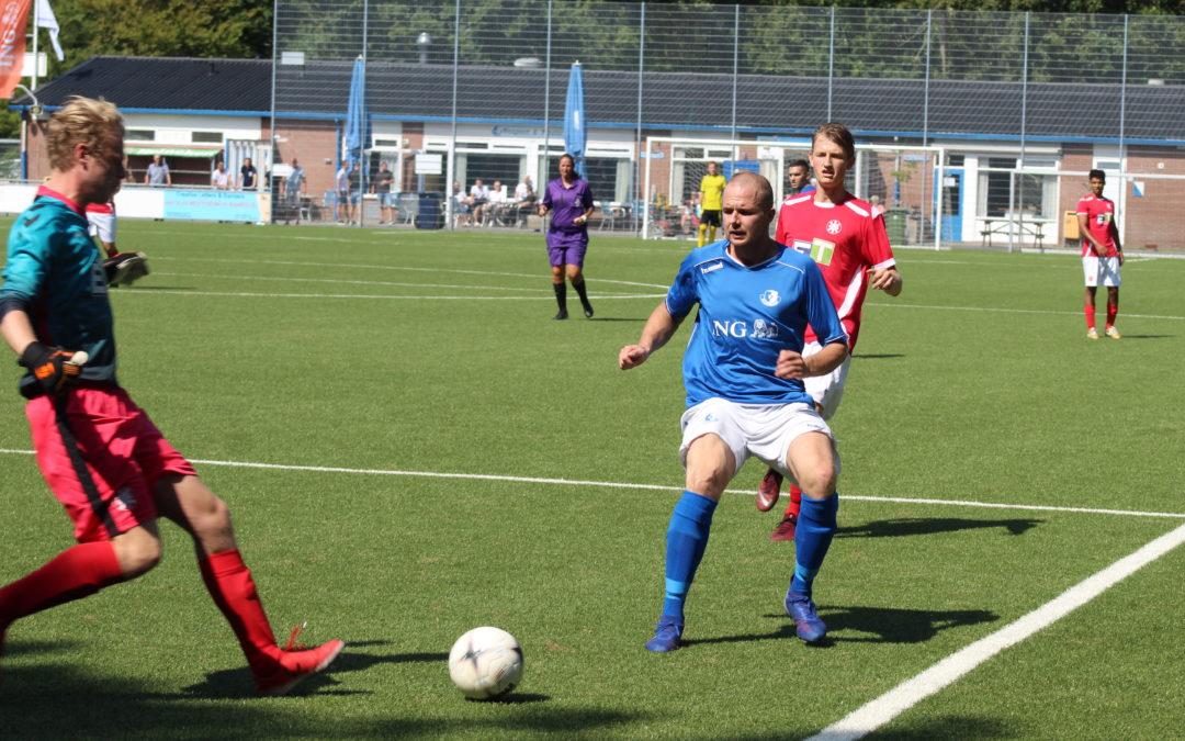 S.V. Loosduinen wint overtuigend van Gouda, 8-0 (met foto's)