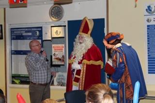 Sint en zijn Pieten brachten een bezoek aan s.v. Loosduinen
