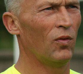 Dick Jol, nieuwe trainer S.V. Loosduinen 2