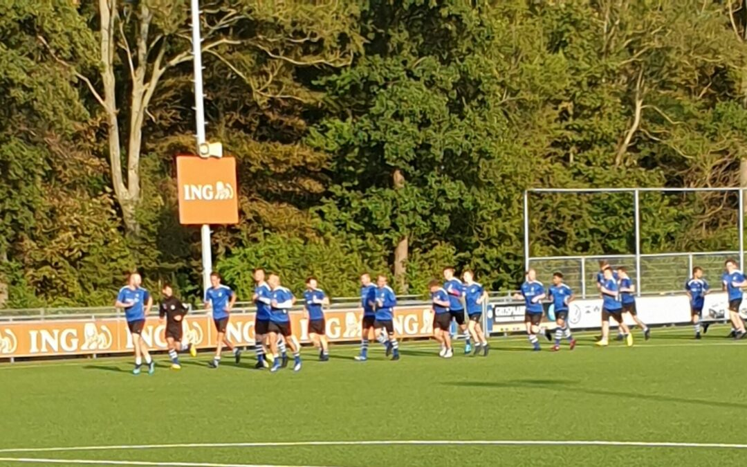 Eerste officiële training selectie S.V. Loosduinen